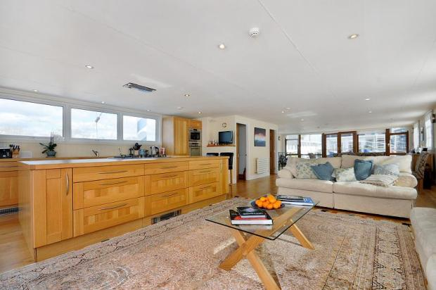 3 Bedroom House Boat For Sale In Houseboat Stonehaven