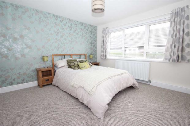 3 bedroom bungalow for sale in othello close  colchester  co4