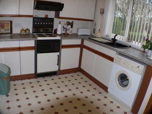 furniture for kitchens 3 bedroom end of terrace house for in lindsay road 11820