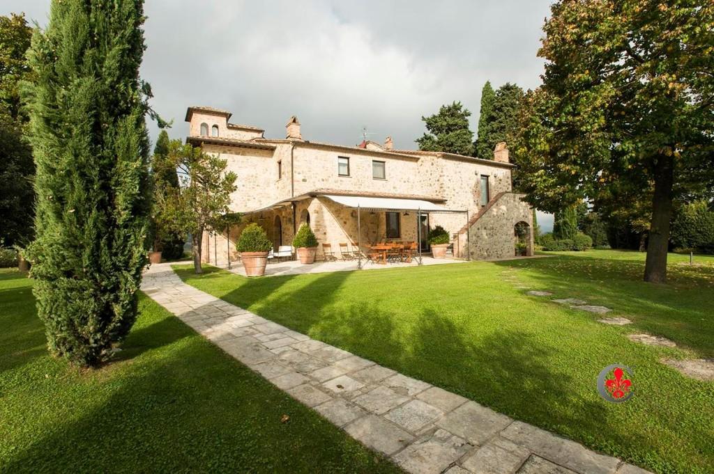 6 bedroom Character Property in Cetona, Siena, Tuscany