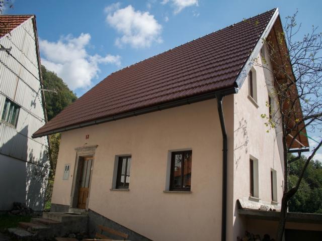 Podbrdo house for sale