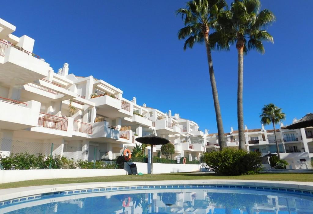 2 bedroom Penthouse in Duquesa, Málaga...