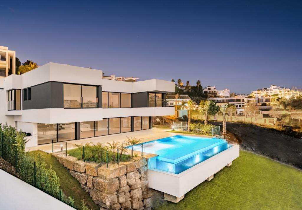 Detached Villa for sale in Benahavís