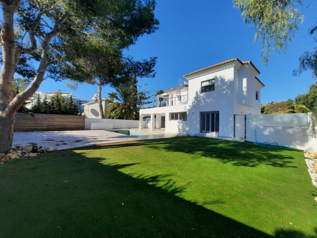 5 bedroom home in Andalucia, Malaga...