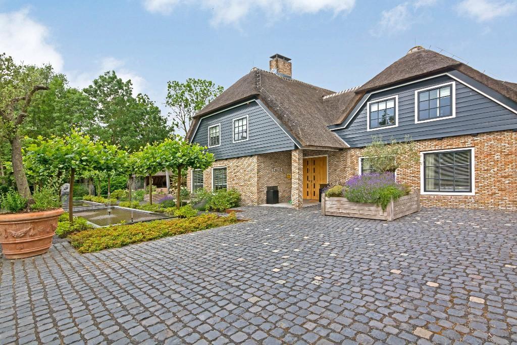 5 bedroom Villa for sale in Amsterdam, Noord-Holland