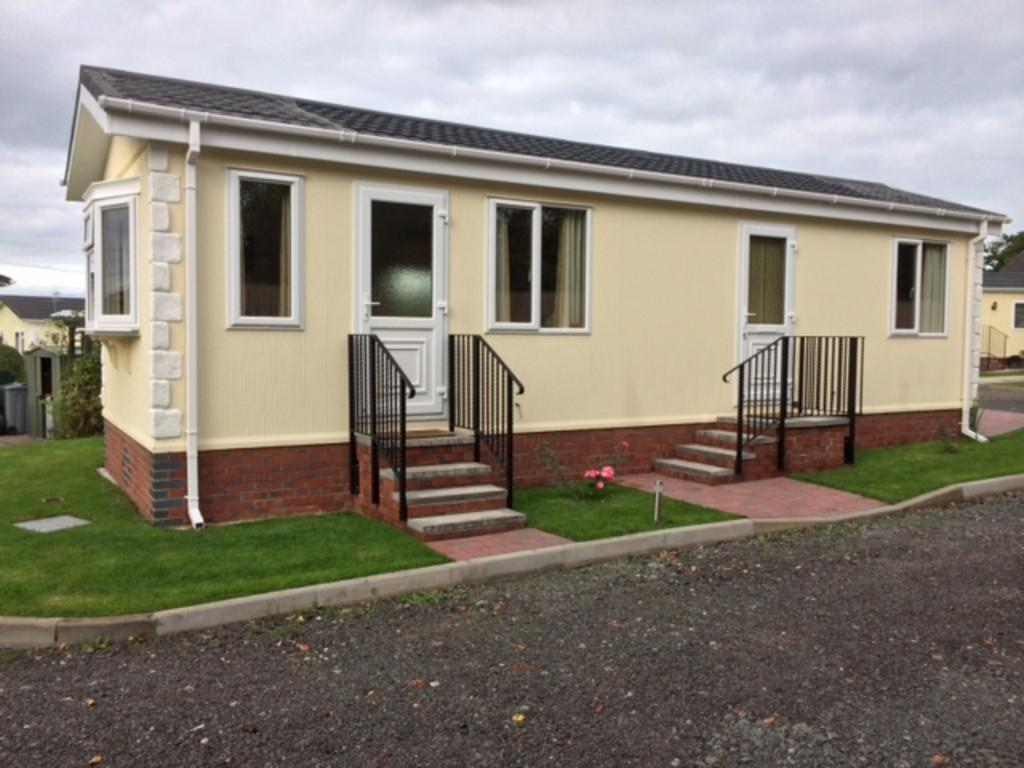 2 bedroom mobile home for sale in weston park wheelock 17661 | 12641 100900014048 img 00 0001