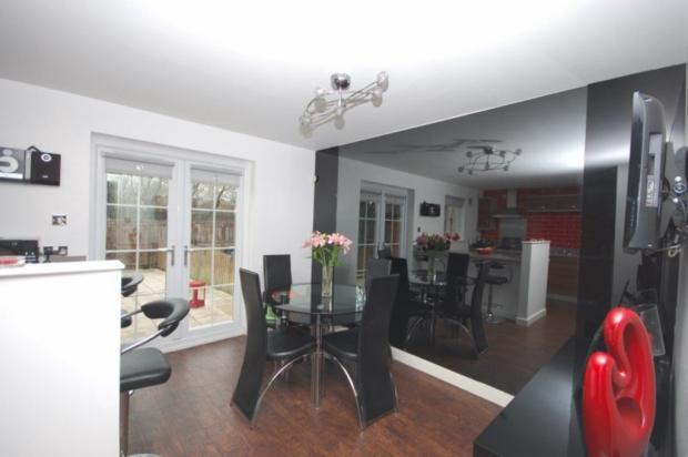 3 Bedroom End Of Terrace House For Sale In Ellerslie Road