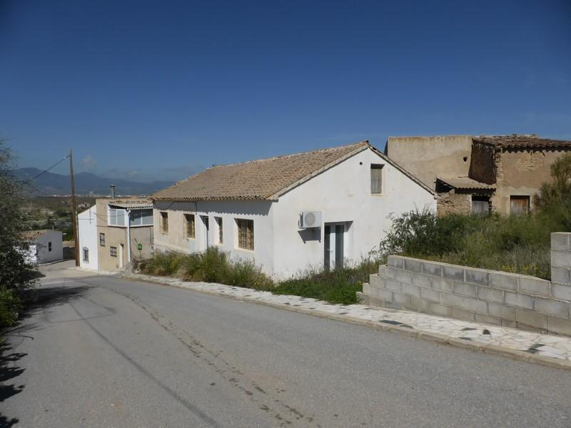 Chalet for sale in Caniles, Granada...