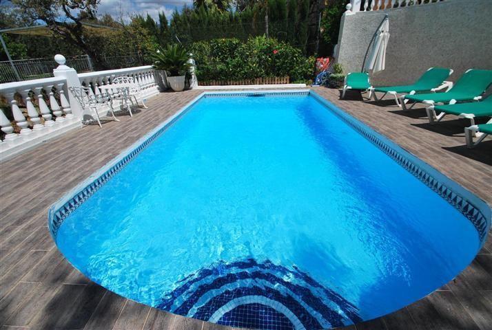 Detached Villa for sale in Elviria (Marbella)...