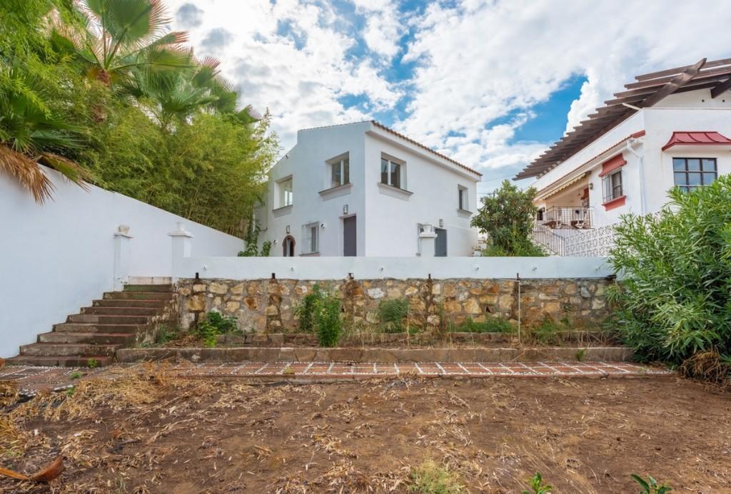 3 bed Detached Villa in Nueva Andalucia, Málaga...