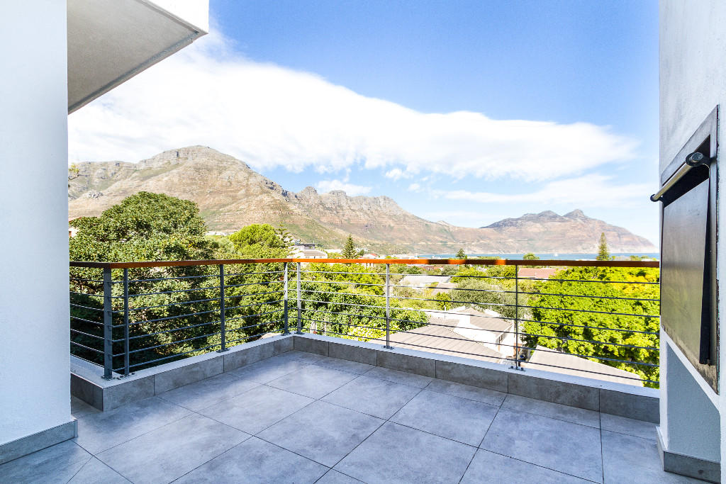 2 bedroom new Apartment in Hout Bay, Western Cape