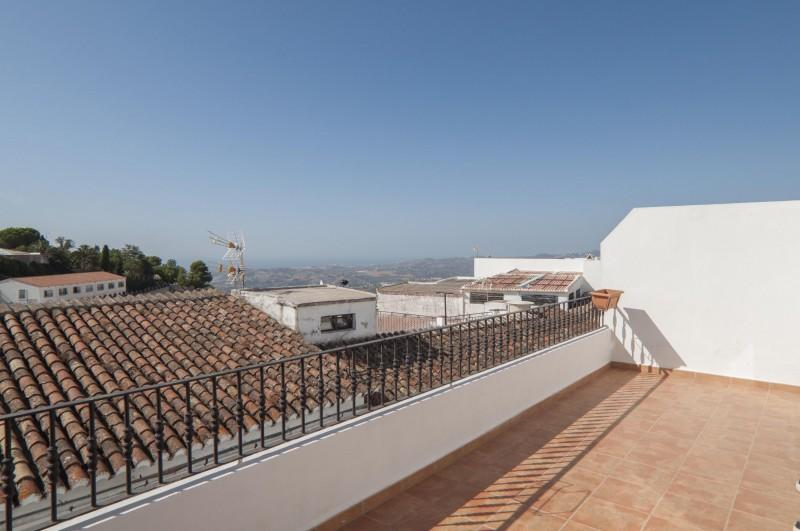 2 bedroom Apartment in Mijas, Costa del Sol...