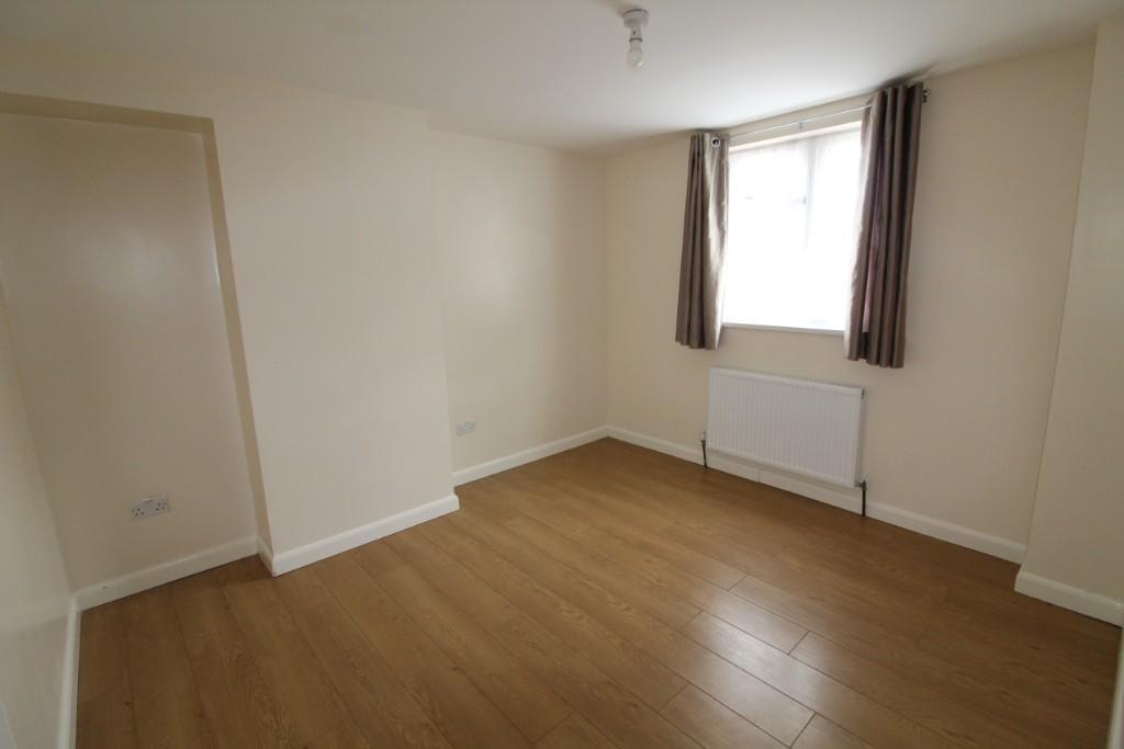 2 bedroom ground floor flat for rent in Donne Road ...