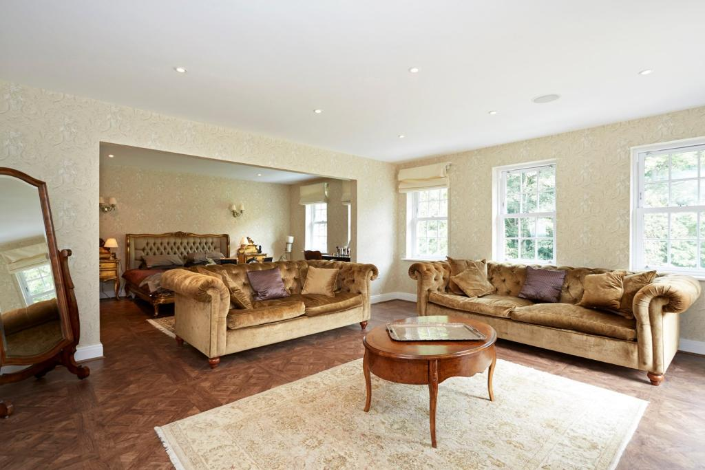 DETAILS ON RIGHTMOVE