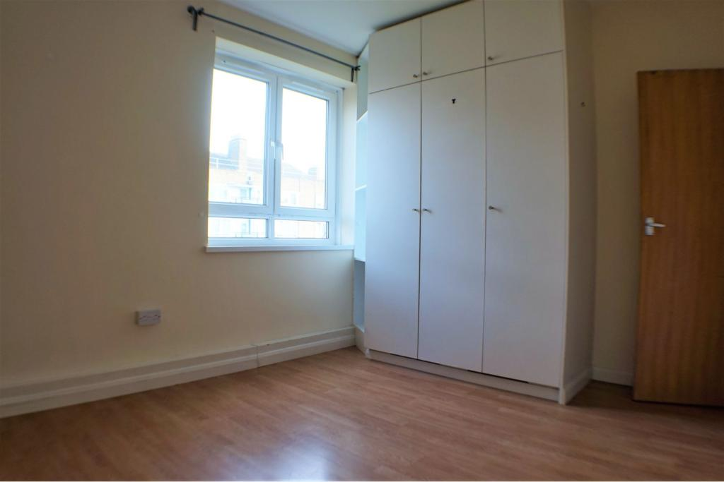 4 bedroom flat for rent in Stockwell Road, Stockwell, SW9