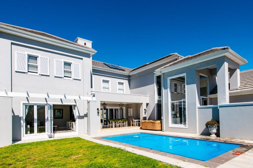 5 bedroom property for sale in Paarl, Western Cape