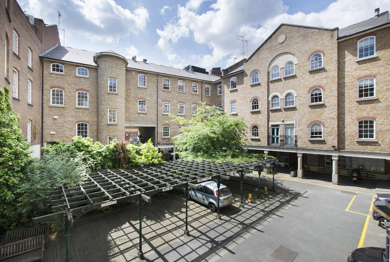 property to rent in 7 Bath Place, London EC2A 3DR