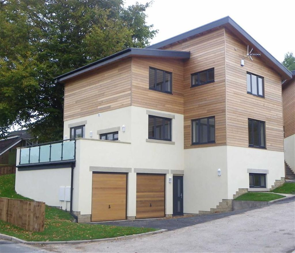 4 Bedroom Detached House For Sale In Poppy Meadow, Clayton
