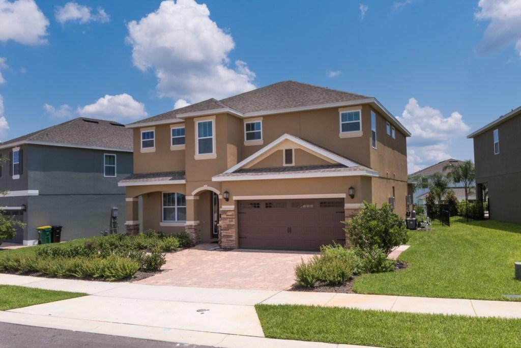 6 bed new house in Kissimmee...