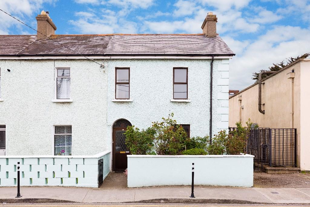 2 bed semi detached home in Dún Laoghaire, Dublin