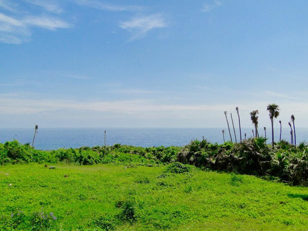 Islas de la Bahía Land