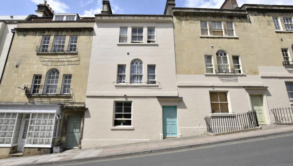 1 bedroom flat for sale in morford street, bath, somerset, ba1