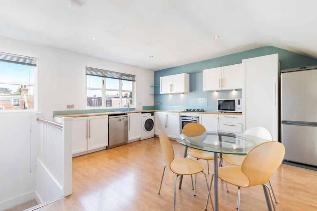 Studio to rent in Chiswick High Road, London W4 - Zoopla