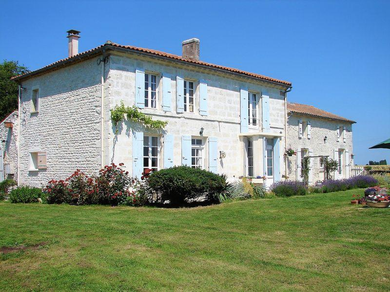 7 bed home for sale in Poitou-Charentes...