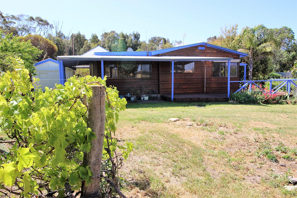 3 bed property in South Australia...