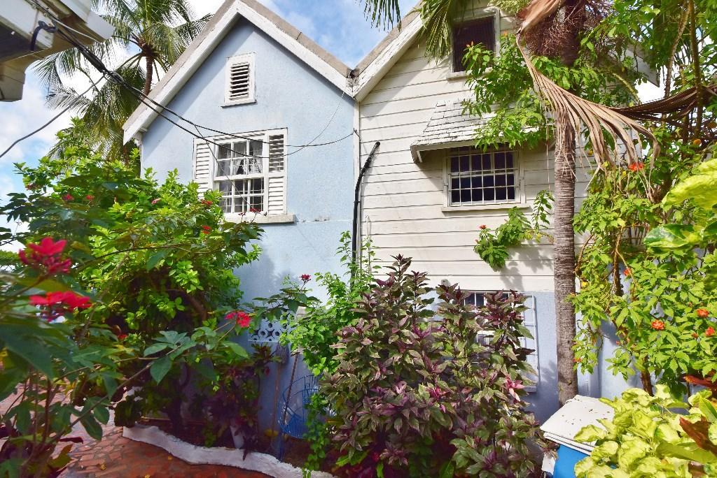 Detached Villa for sale in Fitts Village, St James