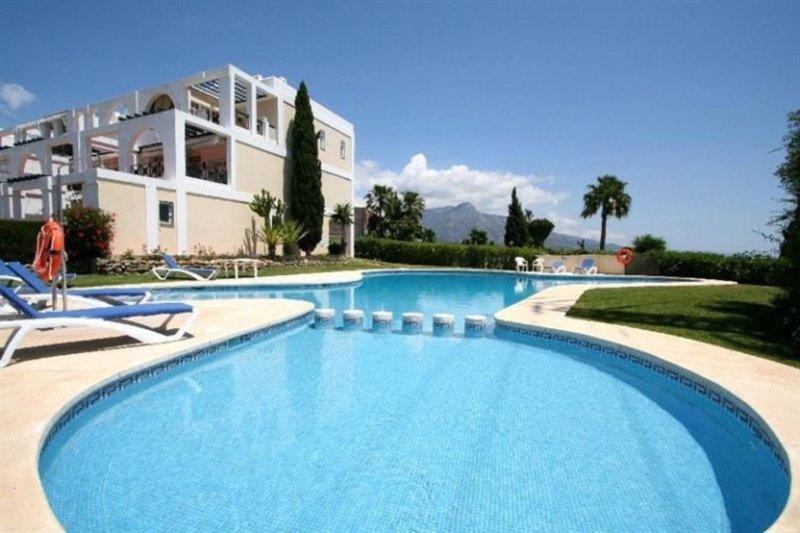 2 bed Apartment in Nueva Andalucia, Málaga...