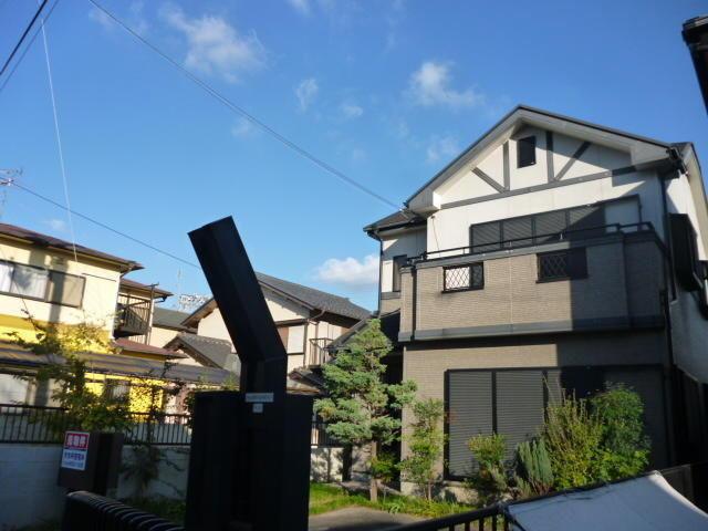 4 bedroom home in Osaka