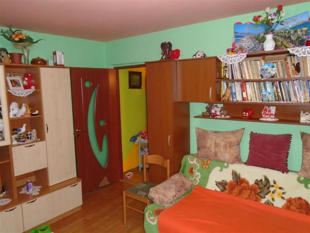Flat for sale in Caras-Severin, Resita