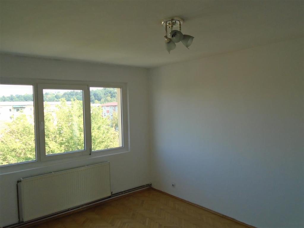 Flat for sale in Caras-Severin, Resita