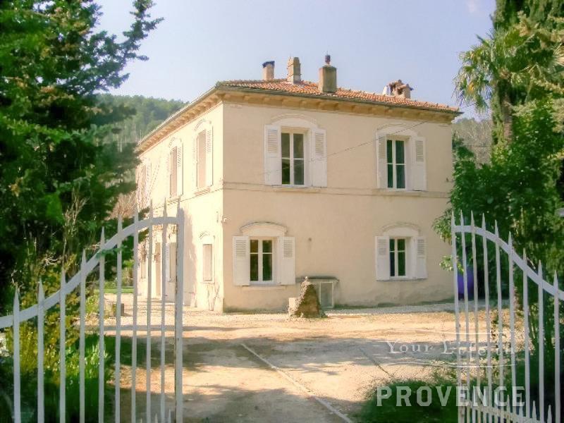 6 bedroom property in Draguignan, 83300, France