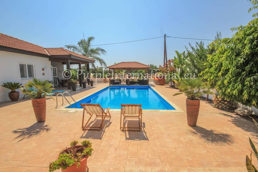 Bungalow for sale in Cyprus - Larnaca...