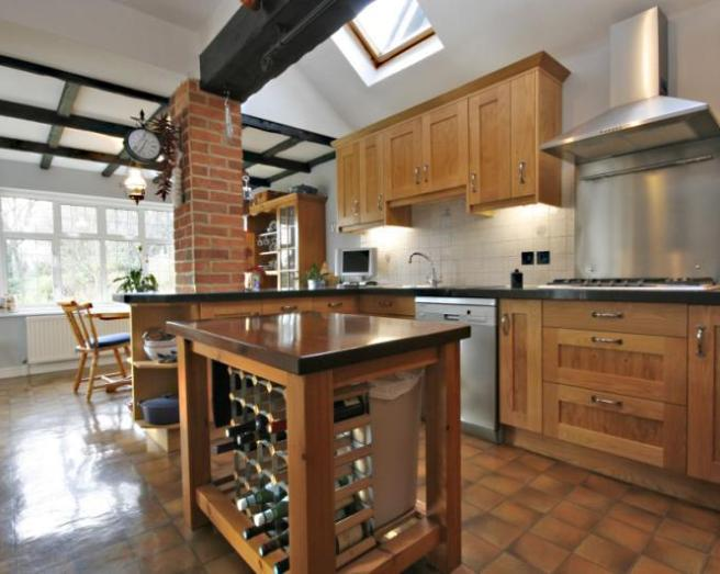 Traditional Kitchen Design Ideas, Photos & Inspiration | Rightmove ... - Traditional Kitchen With Brick Walls