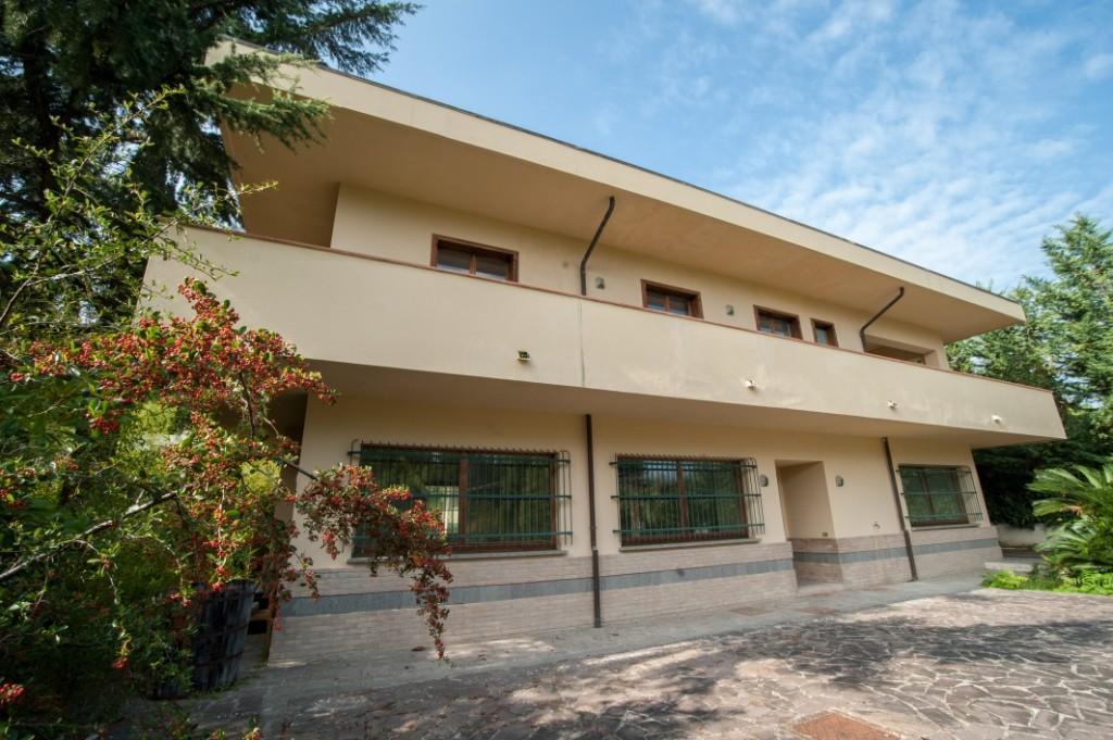 4 bed Villa for sale in Montesilvano, Pescara...