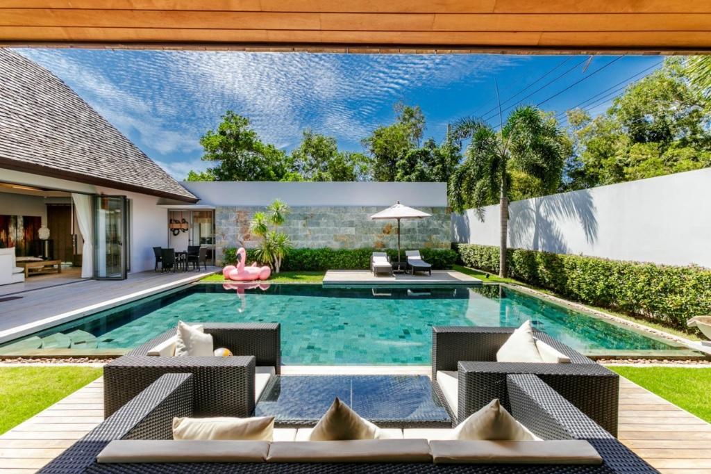 3 bed Villa in Bangtao, Phuket