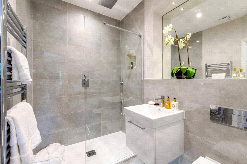 Kirkby Homes,Bathroom