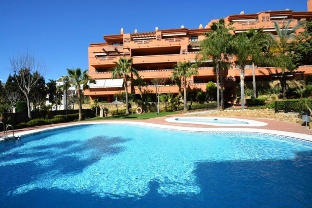Apartment for sale in The Golden Mile Costa...