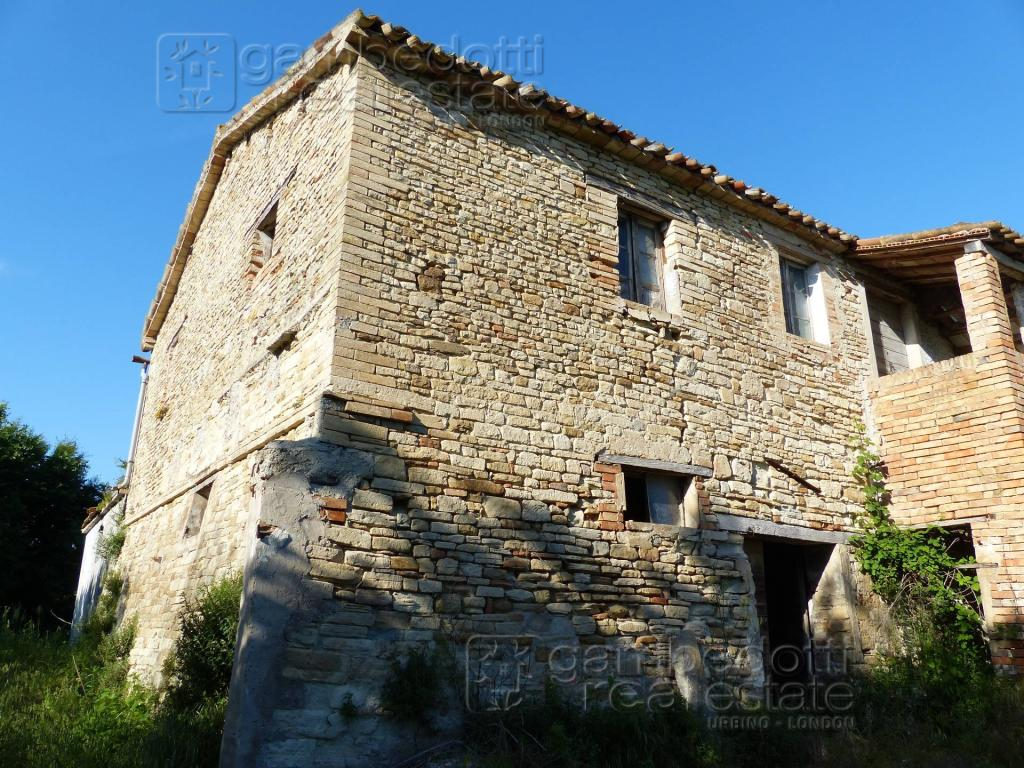 Country House for sale in Le Marche...
