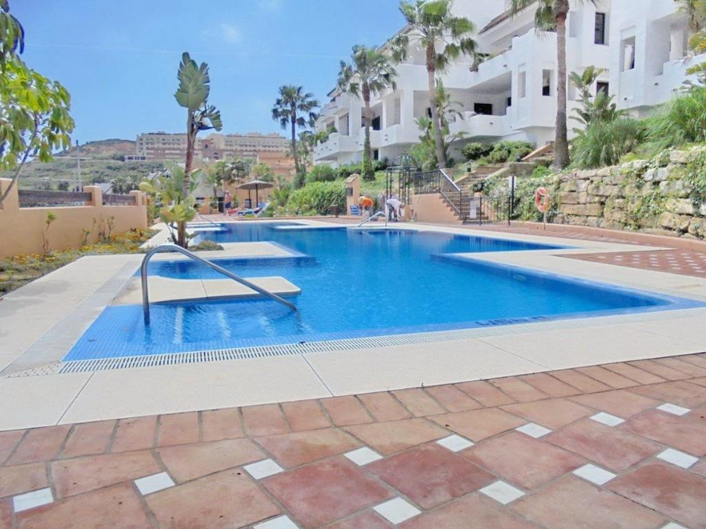 2 bed Apartment in Duquesa, Málaga...