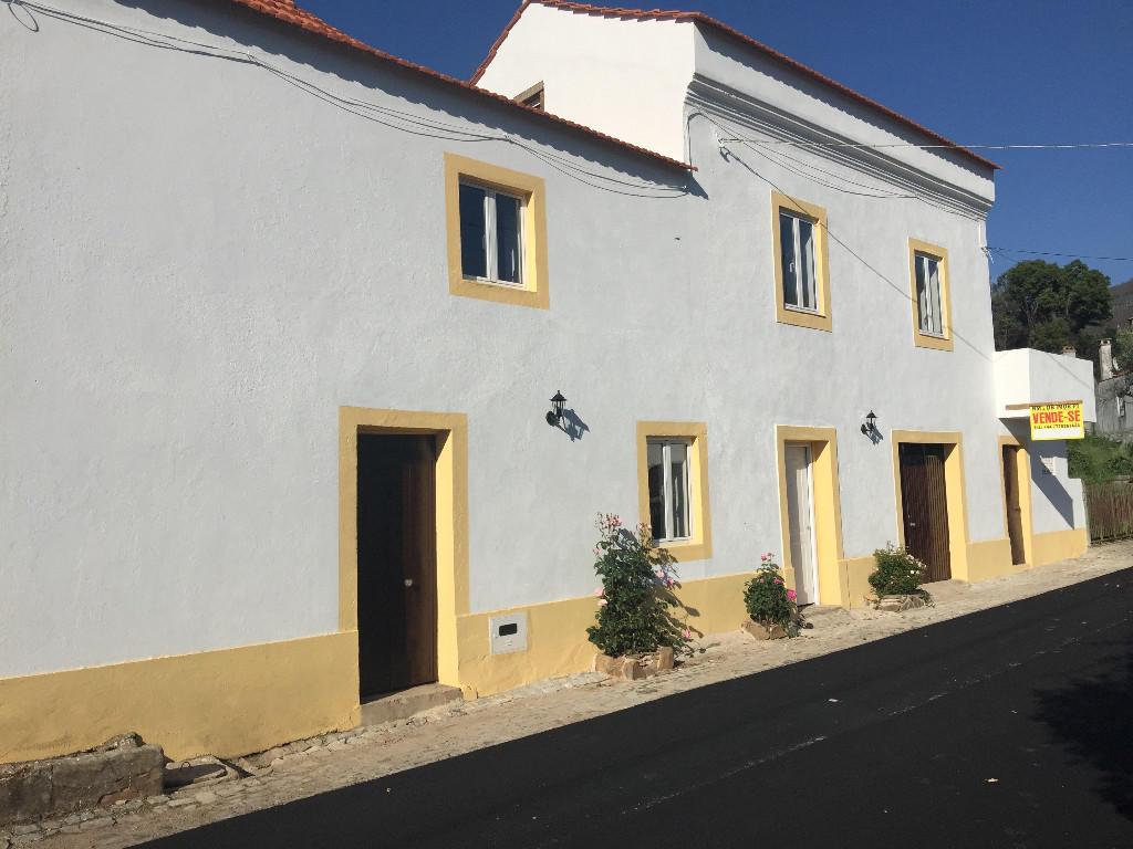 2 bedroom property in Figueiró dos Vinhos...
