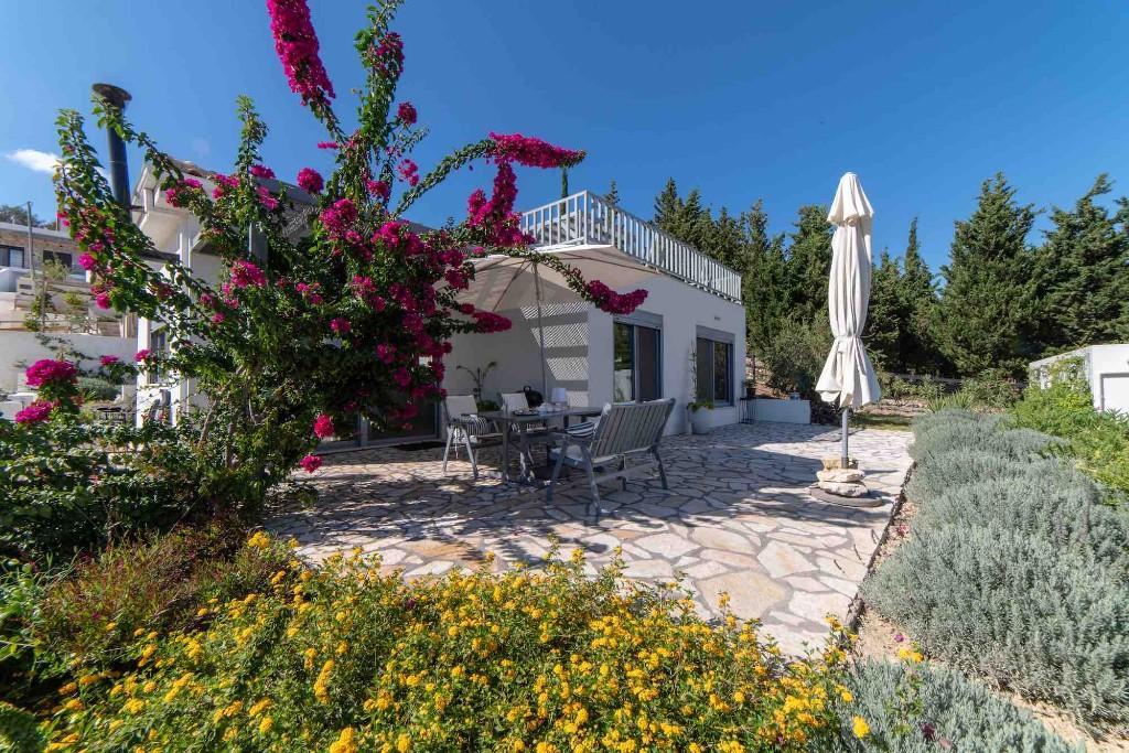 Villa for sale in Pogonia...