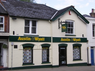 Austin & Wyatt, Lyndhurstbranch details