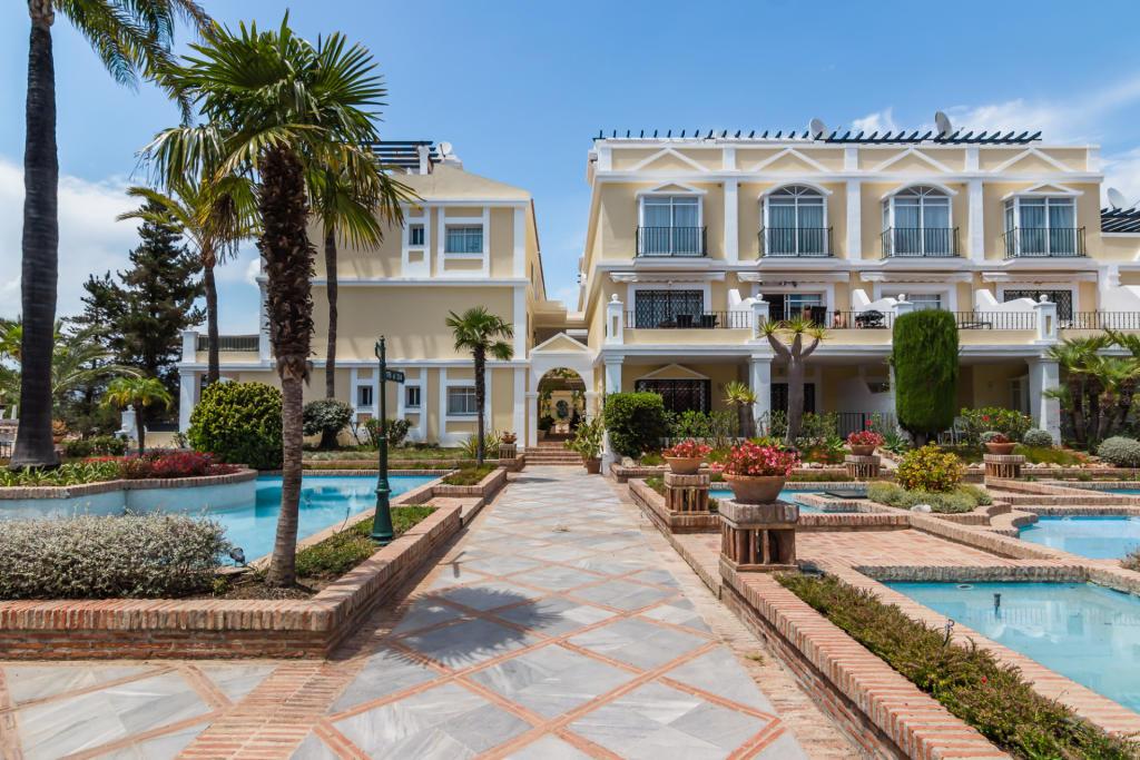 2 bedroom apartment for sale in Andalucia, Malaga, Nueva ...