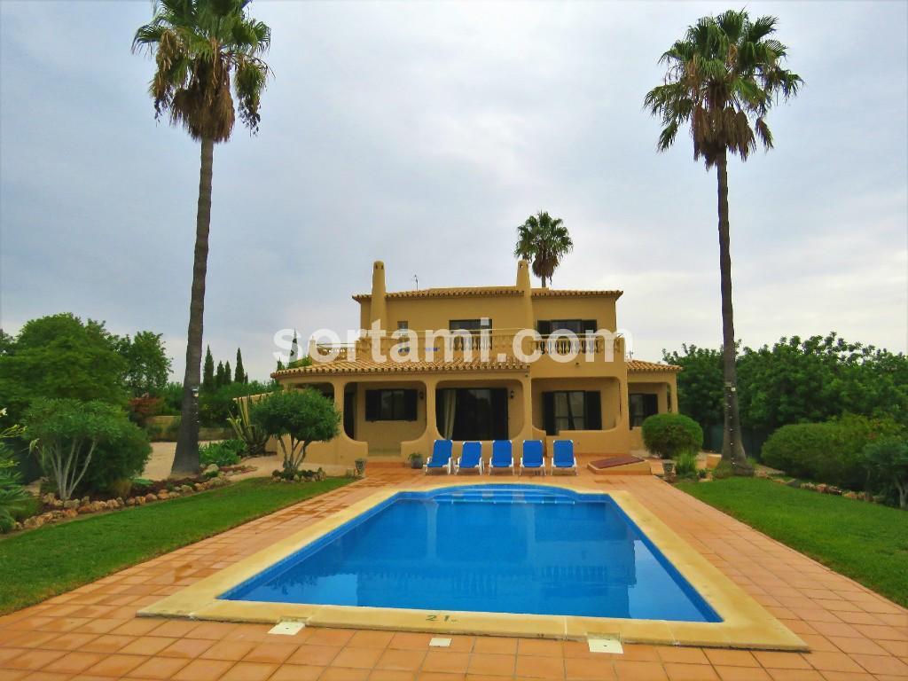 Detached property for sale in Albufeira, Algarve
