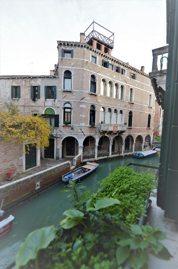 2 bedroom apartment for sale in Venezia, Venice, Veneto, Italy