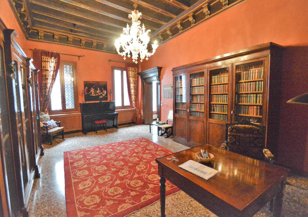 4 bedroom apartment for sale in Venezia, Venice, Veneto, Italy